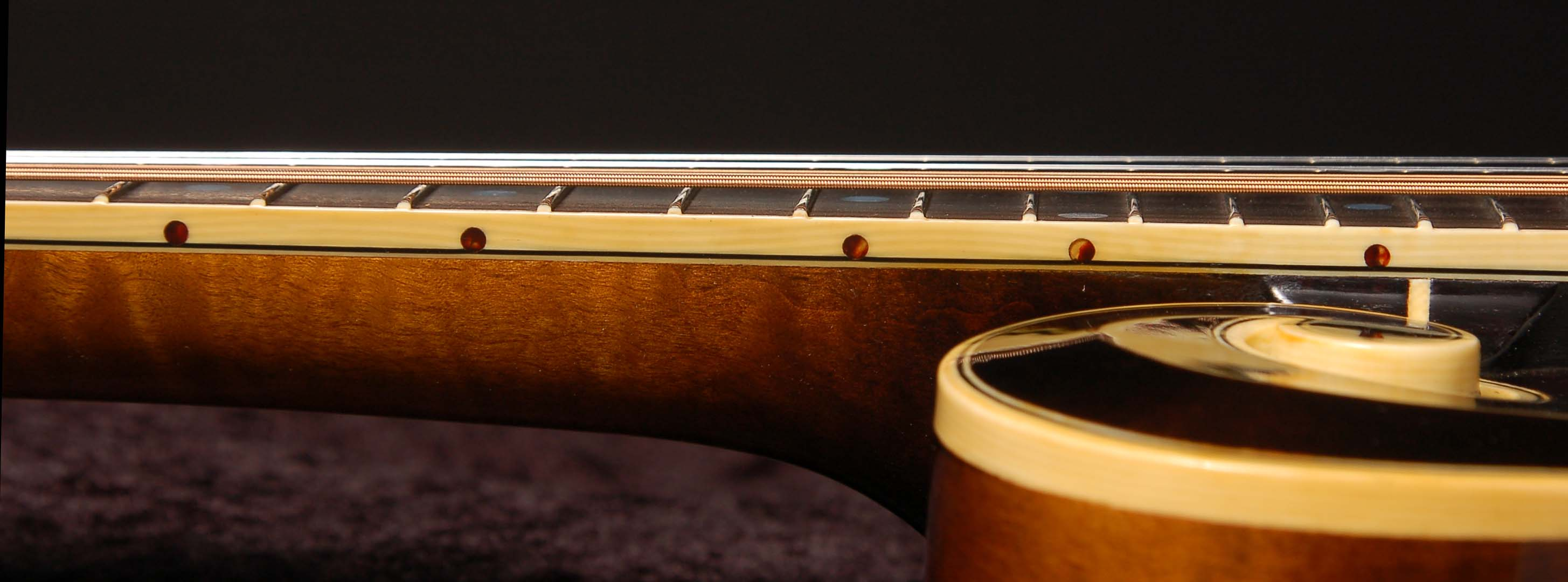 Wiens Mandolins & Guitars